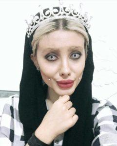 insta star got arrested after posting spooky pics resembling angelina jolie