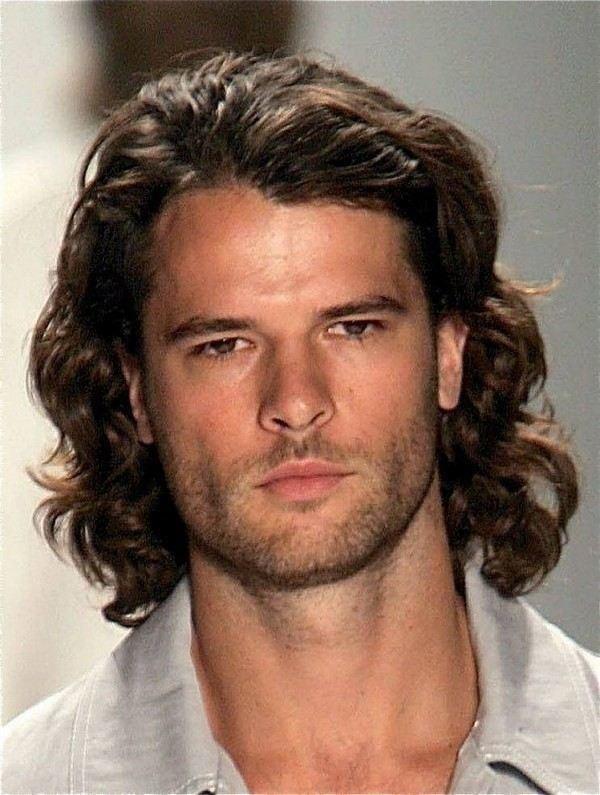 bro flow , medium size hairstyle
