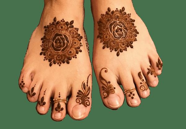rose pattern mehndi design for dulhan