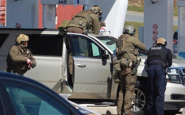 Police Disguised Gunman Shoot People In Canada Inside Their Homes and Kill About 18 People