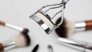 clean make up tools: eyelash curler
