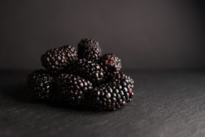 blackberry low sugar fruit