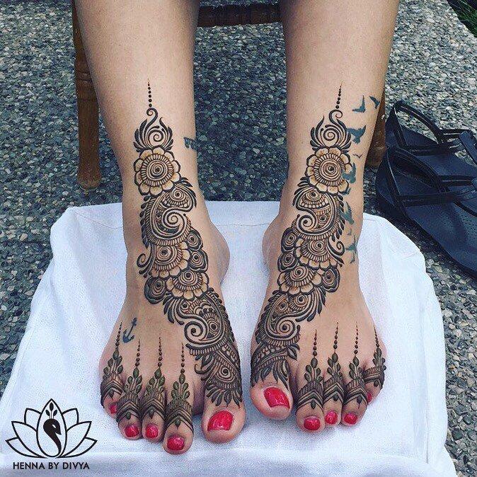 arabic mehndi on feet