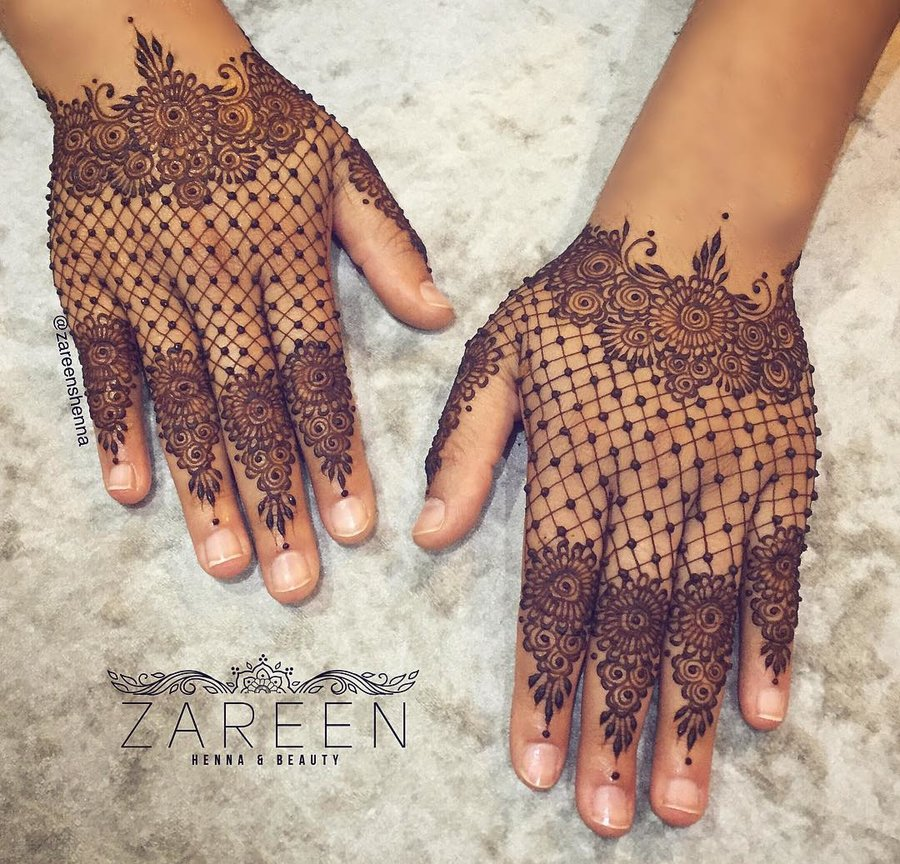 lacy backhand mehndi design
