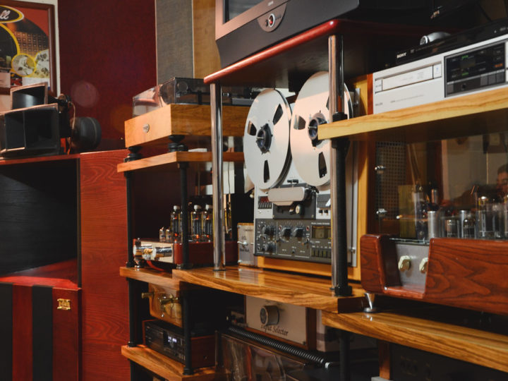What Hi-Fi Audio Albums are, and Why You Should Know About It Being a Music-Lover?